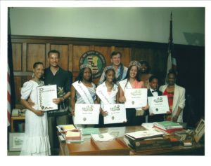 Pageant Memorabilia - picture with Mayor with Titleholders